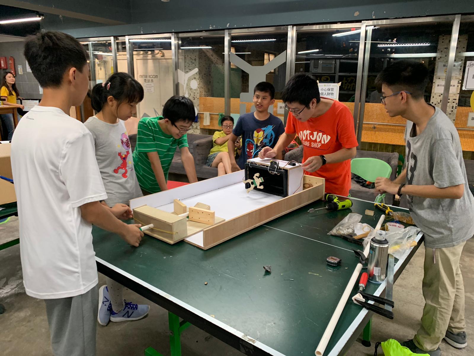 MagiCube Una Franklin in Soccer Scoring Machine Workshop